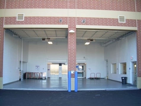 The Lock Up Storage Centers - Bloomington - Photo 16