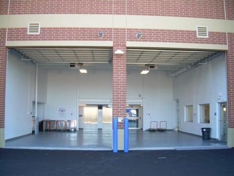 The Lock Up Storage Centers - Bloomington - Photo 16