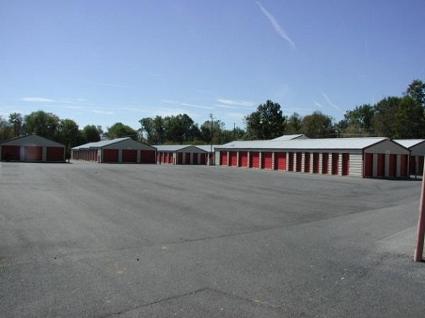 Jefferson Self Storage - 501 North Mildred Street, Ranson WV 25438 - Driving Aisle