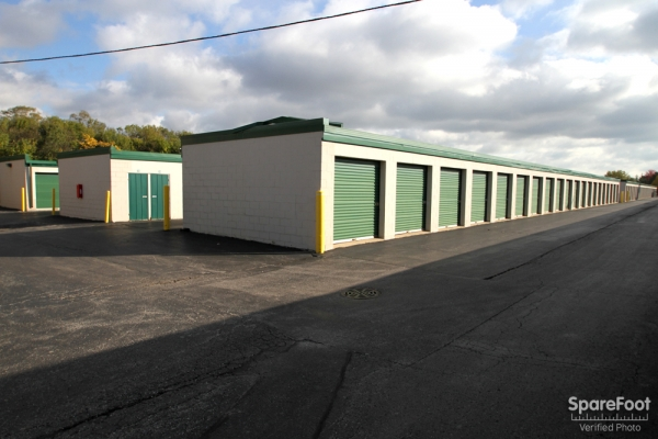 The Lock Up Storage Centers - Northbrook - Photo 5