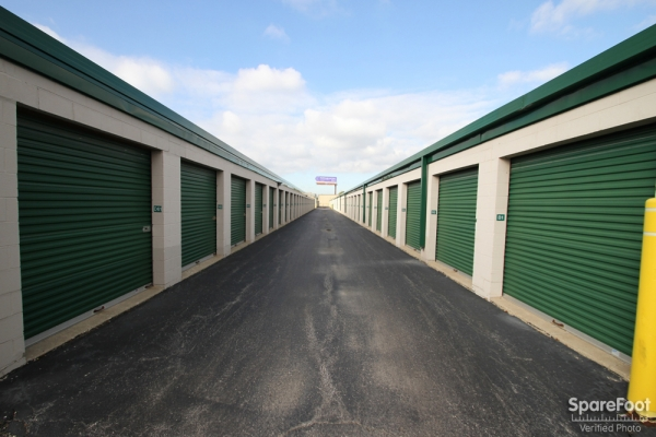 The Lock Up Storage Centers - Northbrook - Photo 7