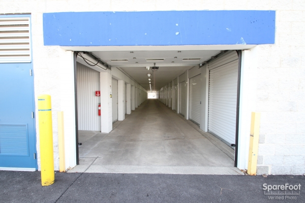 The Lock Up Storage Centers - Lincolnwood - Photo 7