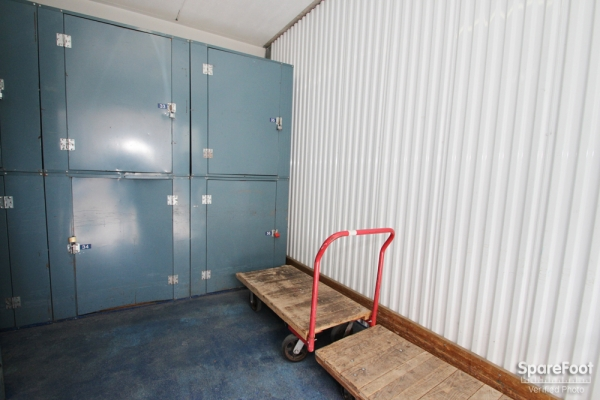 The Lock Up Storage Centers - Lincolnwood - Photo 9