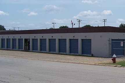 Storage 501 - Central Ave - 117 Central Ave, Searcy AR 72143 - Drive-up Units