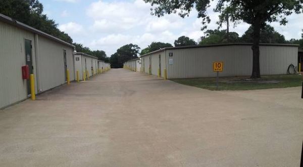 Lonestar Self Storage - Photo 8