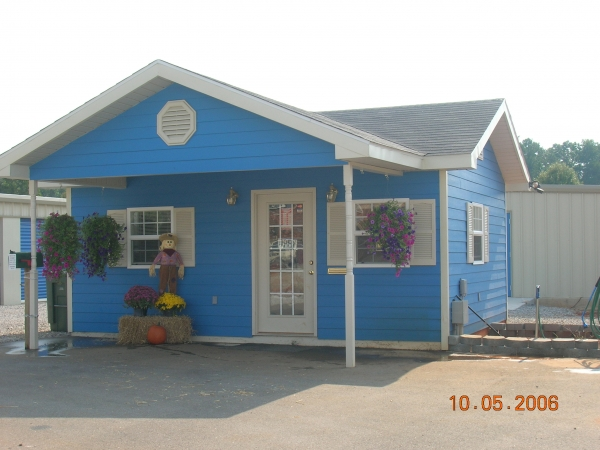 Harvest Self Storage - 2543 Old Railroad Bed Rd, Harvest AL 35749 - Storefront