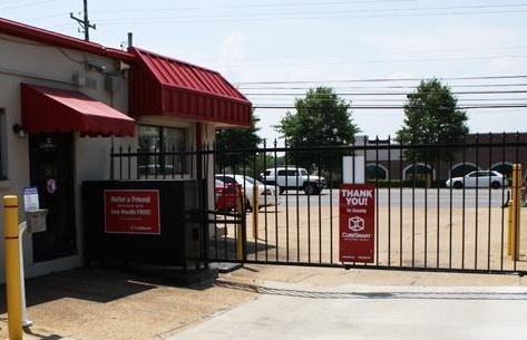 Devon Self Storage - Winchester - 6390 Winchester Road, Memphis TN 38115 - Storefront · Security Gate