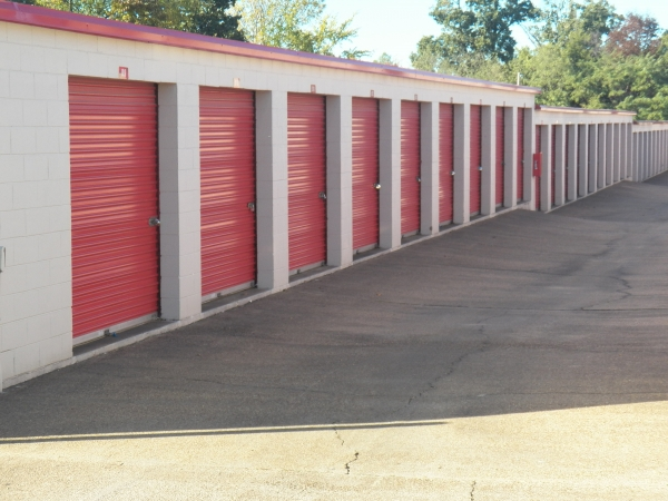 Devon Self Storage - Winchester - Photo 1