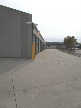 Devon Self Storage - Milwaukee - Photo 3