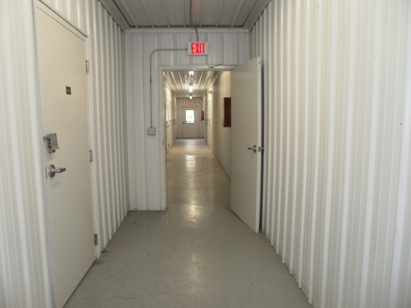 Devon Self Storage - Milwaukee - Photo 6
