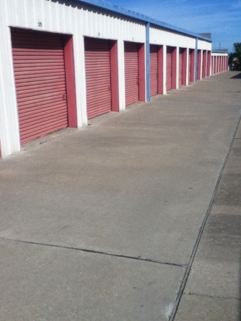 Tri Star Self Storage - Bosque Blvd - Photo 2