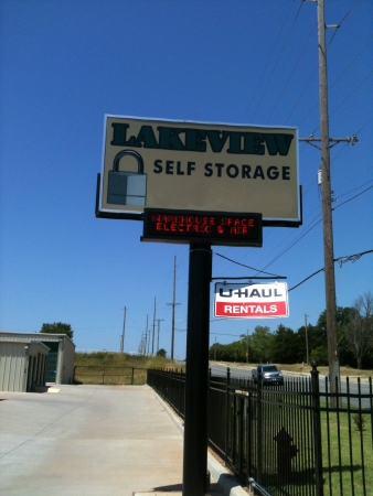 Lakeview Self Storage, LLC - 1101 W Lakeview Rd, Stillwater OK 74075 - Signage