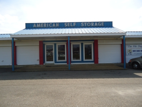 American Self Storage - 1110 West Pine Street, Hattiesburg MS 39401 - Storefront