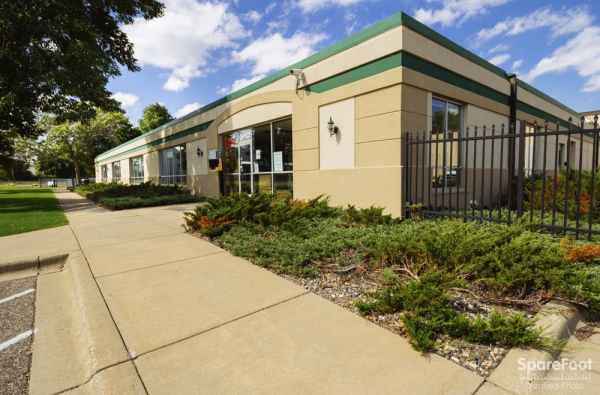 Central Self Storage - Edina - Photo 3