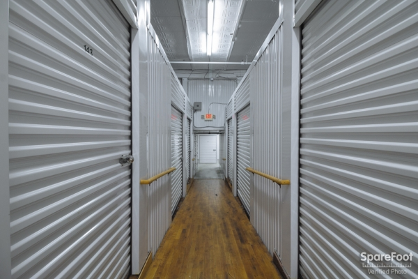 Central Self Storage - Minneapolis - Photo 6