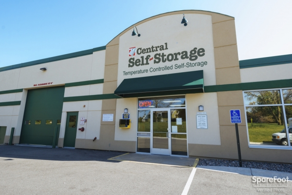 Central Self Storage - New Hope - 5040 Winnetka Avenue North, New Hope MN 55428 - Storefront