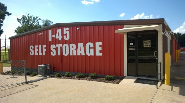 I-45 Self Storage - Photo 1