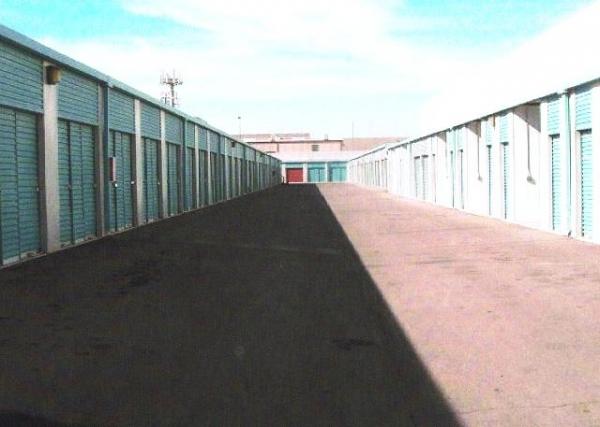 Maximum Storage - Las Vegas - Photo 3