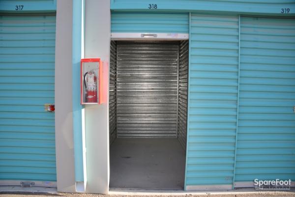 Maximum Storage - Las Vegas - Photo 9