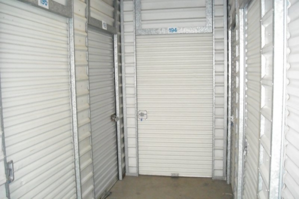 Executive Storage - Photo 3