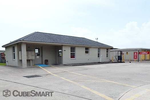 CubeSmart Self Storage - 10030 Blackhawk Boulevard, Houston TX 77089
