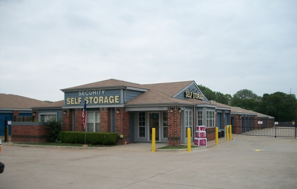 Security Self Storage - Forest & LBJ - Photo 3