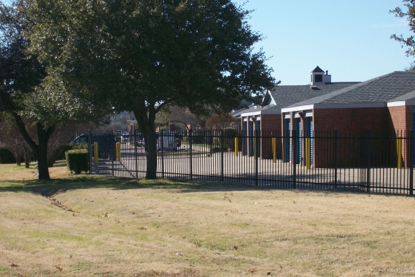 Security Self Storage - Hulen - Photo 5