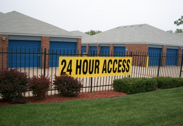 Security Self Storage - Hulen - Photo 6