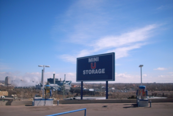 Mini U Storage - Motor City - 914 Motor City Dr, Colorado Springs CO 80905 - Signage