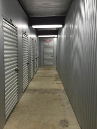 Mini U Storage - Capital Plaza - Photo 11