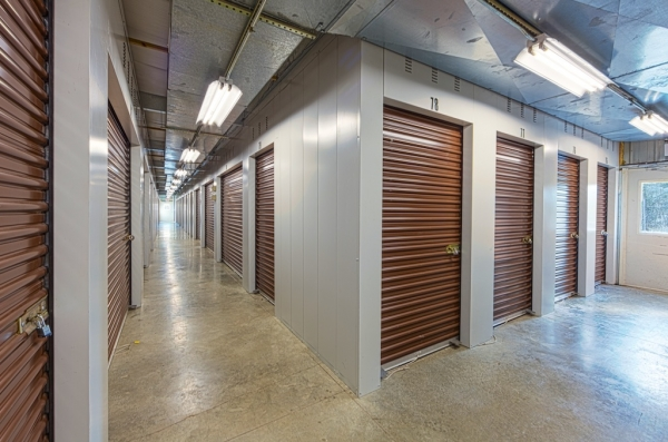 Advantage Self Storage - Marion Quimby Dr. - Photo 5