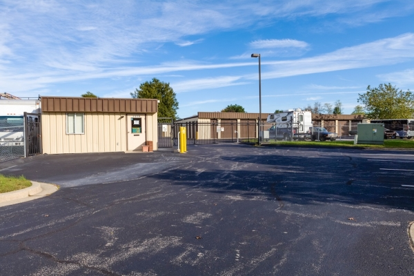 Advantage Self Storage - Marion Quimby Dr. - 1570 Marion Quimby Drive, Stevensville MD 21666 - Security Gate · Drive-up Units · Driving Aisle