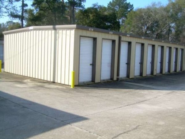 Malone Storage Warehouse - 2119 Radium Springs Road, Albany GA 31705 - Drive-up Units