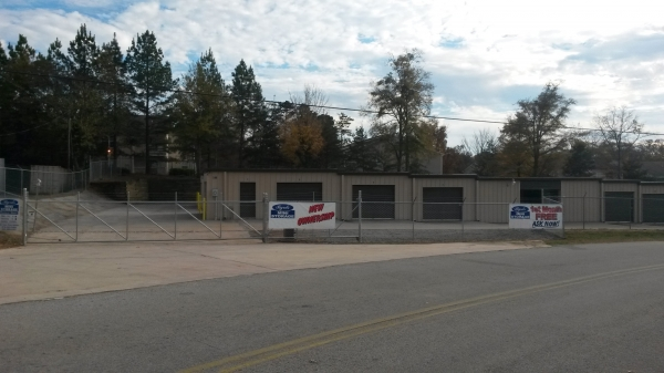 Byrd's Mini Storage - Gainesville - 319 Linwood Drive, Gainesville GA 30501 - Security Gate