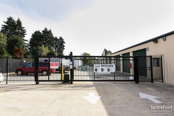 Iron Gate Storage - Pearson Airport - Photo 2