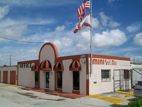 Miami Mini Stor-It - South Miami/Coral Gables - Photo 5