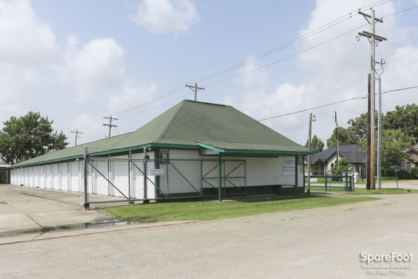 Green River Mini Storage - 2305 Caroline Street, Dickinson TX 77539