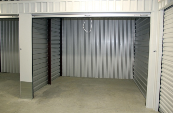 Lincoln Self Storage - Photo 2