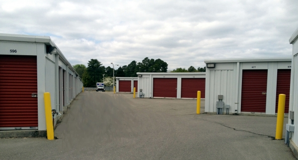 Storage King USA - Midpine - 3216 Mid Pine Road, Fayetteville NC 28306 - Drive-up Units