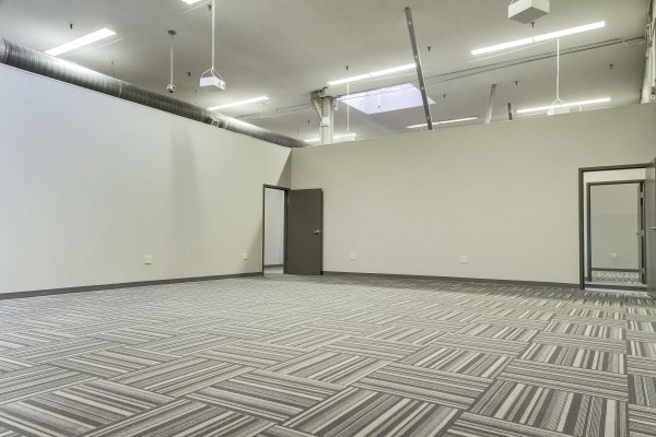 Guardian Business Center - Photo 15