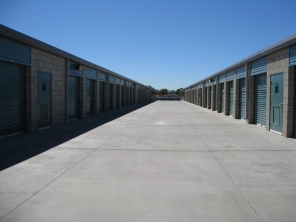Storage West - Sunset Road - Photo 6