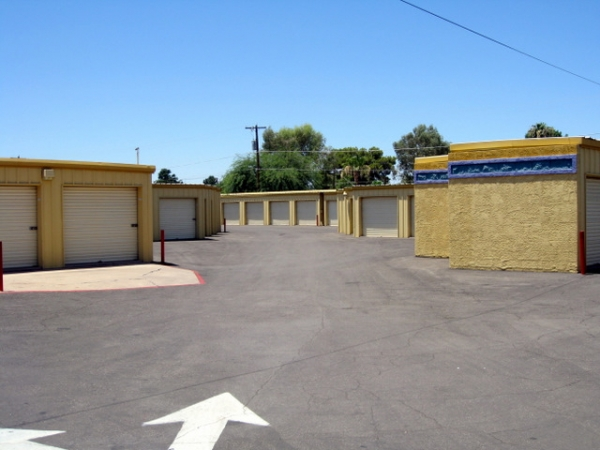 Storage West - McClintock Dr. - Photo 4