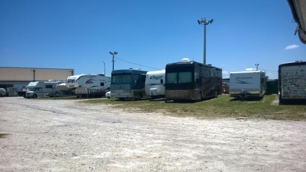 Davco Vehicle Storage - Photo 2