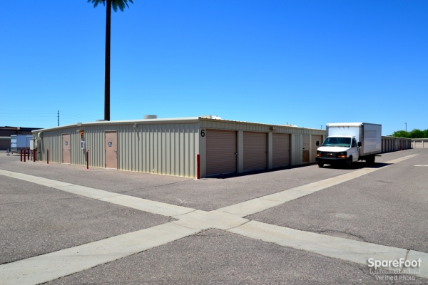 Gilbert Self Storage - Photo 7
