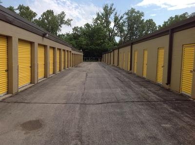 Uncle Bob's Self Storage - Brentwood - 8524 Manchester Road - Photo 4