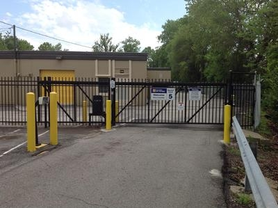 Uncle Bob's Self Storage - Brentwood - 8524 Manchester Road - Photo 2