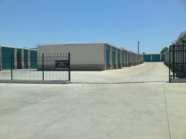 Doc's Spacecenter Self Storage - Photo 3