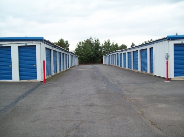AAAA Self Storage - Sterling - Old Ox - Photo 2