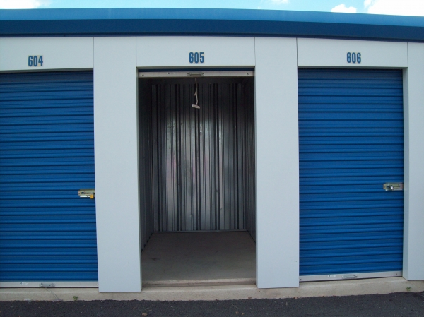 AAAA Self Storage - Sterling - Old Ox - Photo 4
