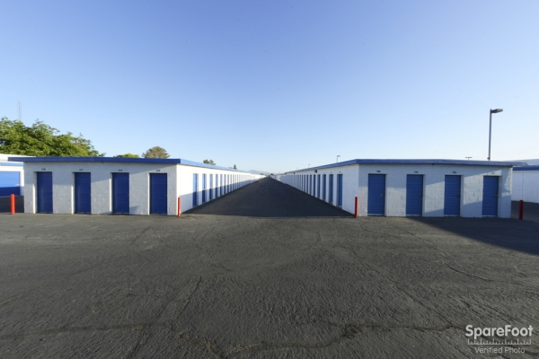 Las Vegas Self Storage - Photo 6
